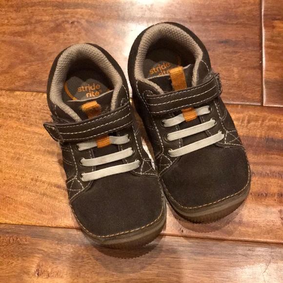 Stride Rite SRT Toddler Boys Charlie Casual Sneaker
